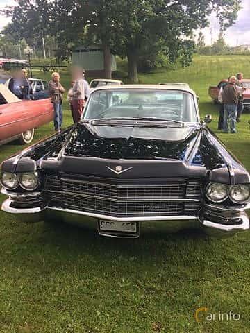 Fram/Sida av Cadillac Sedan de Ville 4-window 6.4 V8 OHV Hydra-Matic, 330ps, 1963