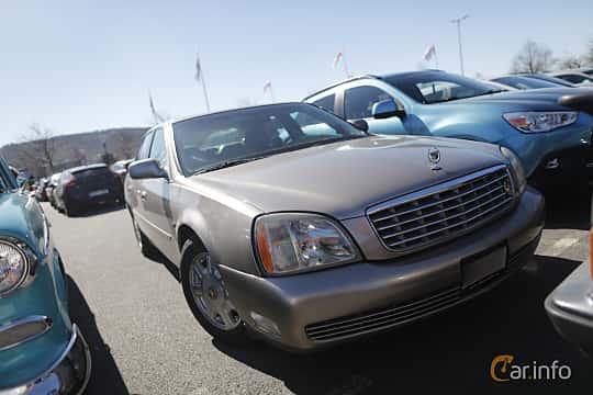 Fram/Sida av Cadillac De Ville 4.6 V8  Automatic, 279ps, 2004