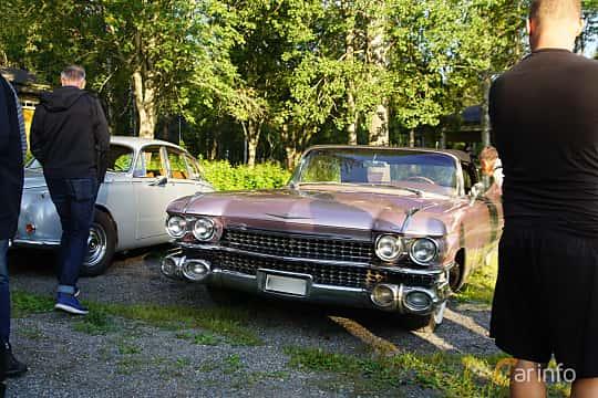 Front/Side  of Cadillac Eldorado Biarritz 6.4 V8 OHV Hydra-Matic, 349ps, 1959 at Onsdagsträffar på Gammlia v.33 / 2018