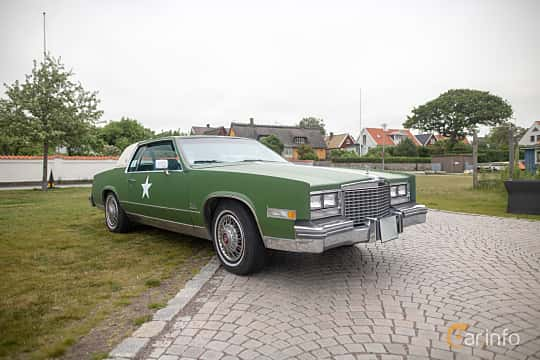 Front/Side  of Cadillac Eldorado Coupé 5.7 V8 Hydra-Matic, 173ps, 1979 at Veteranbilsträff i Vikens hamn  2019 Maj
