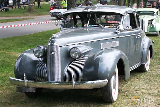 Front/Side  of Cadillac LaSalle Coupé 5.3 Manual, 125ps, 1939 at Hässleholm Power Start of Summer Meet 2016