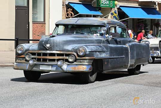 Fram/Sida av Cadillac Fleetwood Sixty Special 5.4 V8 Hydra-Matic, 193ps, 1952 på Cruising Lysekil 2019