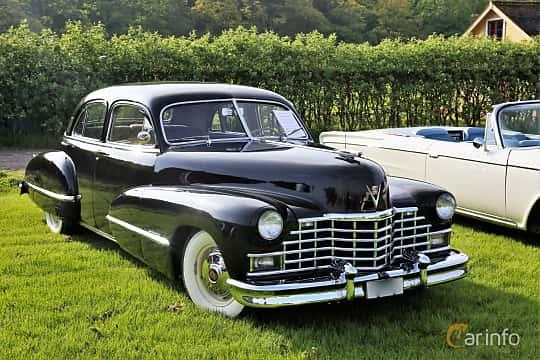 Fram/Sida av Cadillac Fleetwood Sixty Special 5.7 V8 Hydra-Matic, 152ps, 1946 på Tjolöholm Classic Motor 2019