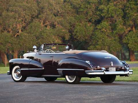 Back/Side of Cadillac Sixty-Two Convertible Coupé 5.7 V8 Hydra-Matic, 152hp, 1947