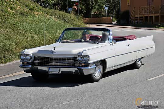 Fram/Sida av Cadillac Sixty-Two Convertible 6.4 V8 OHV Hydra-Matic, 330ps, 1963 på Cruising Lysekil 2019