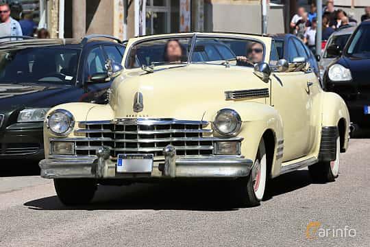 Fram/Sida av Cadillac Sixty-Two De Luxe Convertible Coupé 5.7 V8 Manual, 152ps, 1941 på Cruising Lysekil 2019