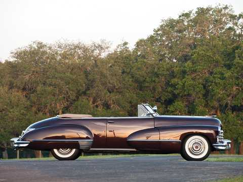 Side  of Cadillac Sixty-Two Convertible Coupé 5.7 V8 Hydra-Matic, 152hp, 1947
