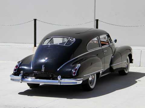 Back/Side of Cadillac Sixty-Two Club Coupé 5.7 V8 Hydra-Matic, 152hp, 1946