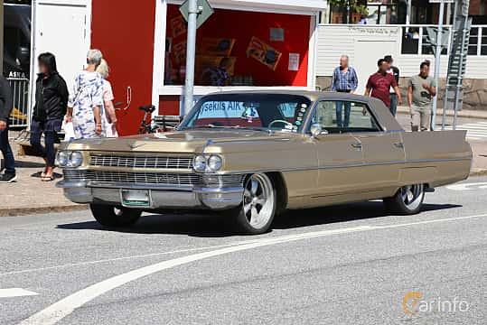 Fram/Sida av Cadillac Sixty-Two 4-window Sedan 7.0 V8 OHV Hydra-Matic, 345ps, 1964 på Cruising Lysekil 2019