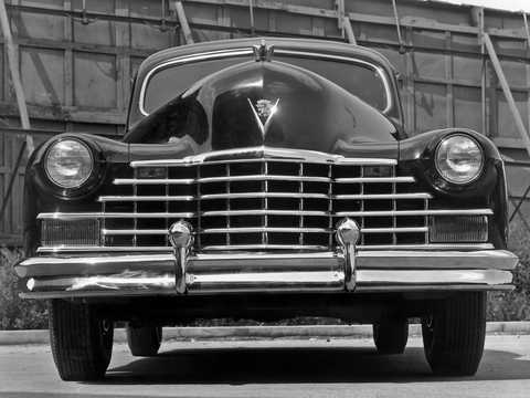 Front  of Cadillac Sixty-Two Touring Sedan 5.7 V8 Hydra-Matic, 152hp, 1946