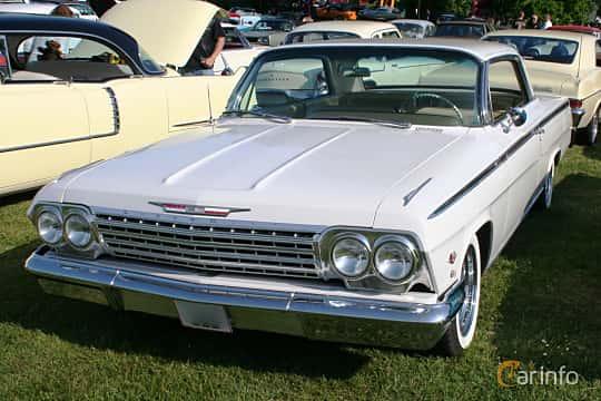 Front/Side  of Chevrolet Impala Sport Coupé 4.6 V8 Powerglide, 173ps, 1962 at Hässleholm Power Start of Summer Meet 2016