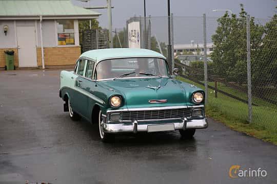 Front/Side  of Chevrolet Bel Air 4-door Sedan 3.9 Powerglide, 142ps, 1956 at Bil & MC-träffar i Huskvarna Folkets Park 2019 Amerikanska fordon