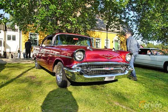 Front/Side  of Chevrolet Bel Air Sport Coupé 4.6 V8 Manual, 249ps, 1957 at Onsdagsträffar på Gammlia Umeå 2019 vecka 28