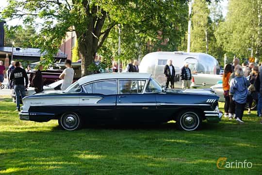 Side  of Chevrolet Bel Air 4-door Sedan 3.9 Manual, 147ps, 1958 at Onsdagsträffar på Gammlia Umeå 2019 vecka 28