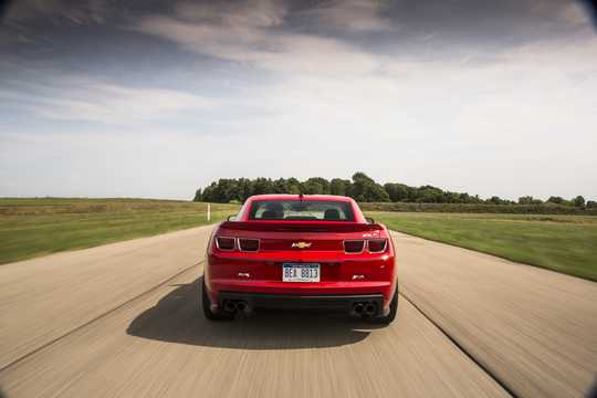Back of Chevrolet Camaro ZL1 6.2 V8 Automatic, 587hp, 2013