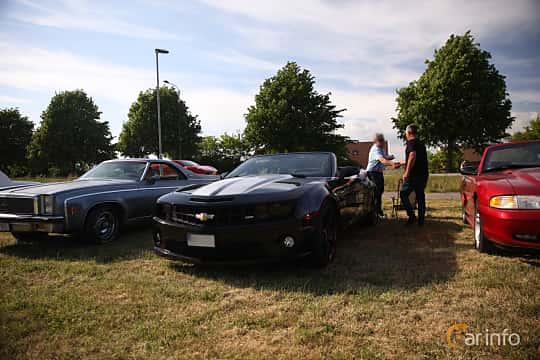 Fram/Sida av Chevrolet Camaro SS Convertible 6.2 V8 Automatic, 405ps, 2011 på Tisdagsträffarna Vikingatider v.21 / 2018