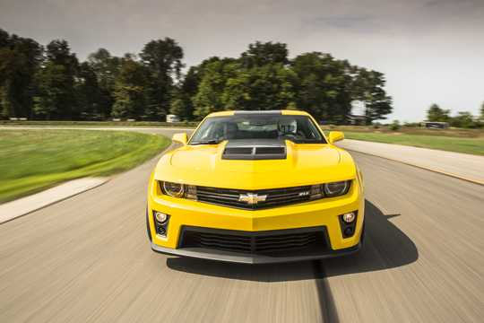 Front  of Chevrolet Camaro ZL1 6.2 V8 Manual, 587hp, 2013
