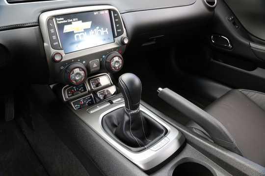 Interior of Chevrolet Camaro SS 6.2 V8 Manual, 432hp, 2014