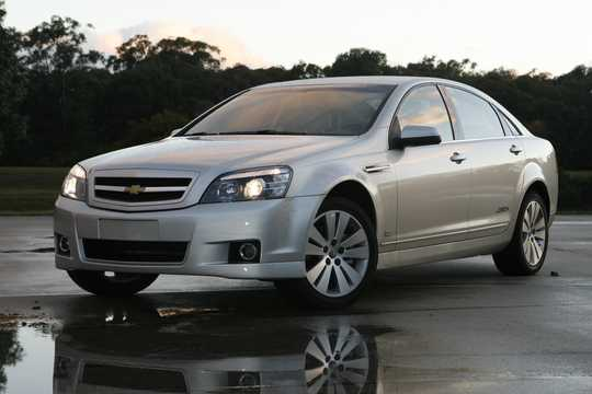 Front/Side  of Chevrolet Caprice Sedan 6.0 V8 Automatic, 367hp, 2016
