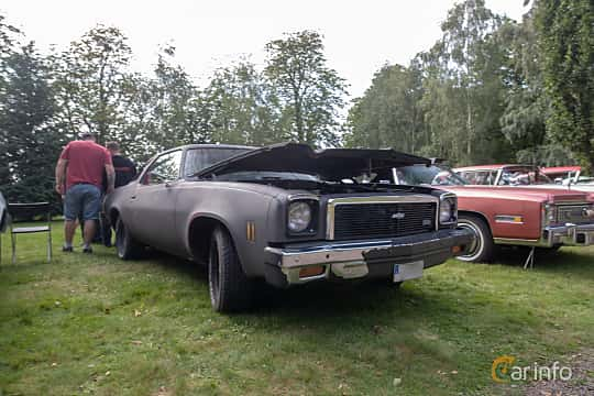 Front/Side  of Chevrolet Chevelle Malibu Coupé 5.0 V8 Hydra-Matic, 142ps, 1976 at Billesholms Veteranbilsträff 2019 augusti