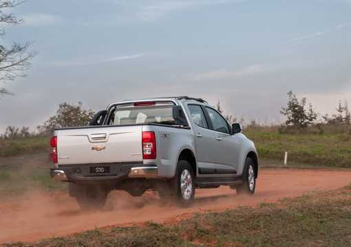 Back/Side of Chevrolet Colorado Crew Cab 2.8 CTDI 4x4 Automatic, 203hp, 2013