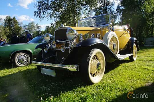 Front/Side  of Chevrolet Confederate Cabriolet 3.2 Manual, 61ps, 1932 at Onsdagsträffar på Gammlia Umeå 2019 vecka 27