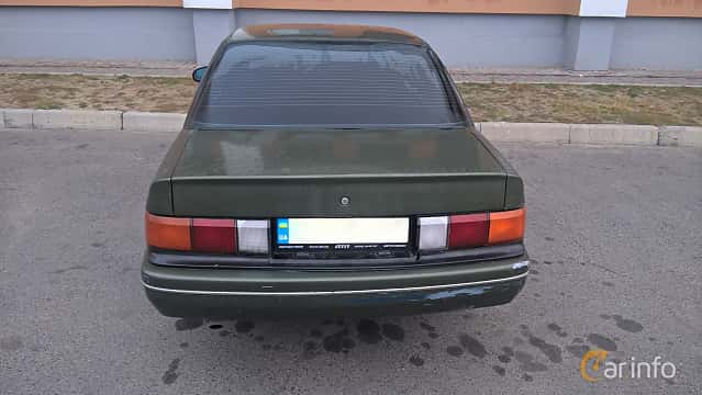 Back of Chevrolet Corsica Sedan 3.1 V6 Automatic, 142ps, 1991