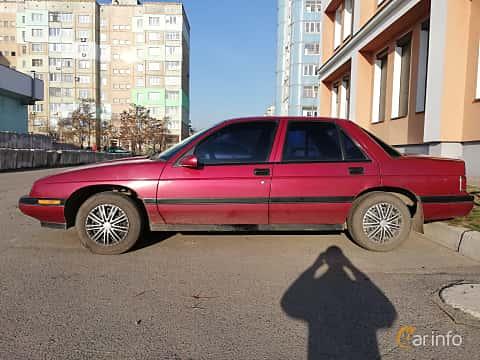 Sida av Chevrolet Corsica Sedan 3.1 V6 Automatic, 142ps, 1993