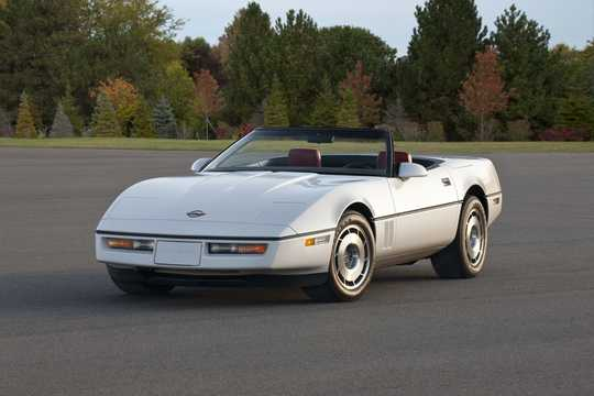 Front/Side  of Chevrolet Corvette Convertible 1987