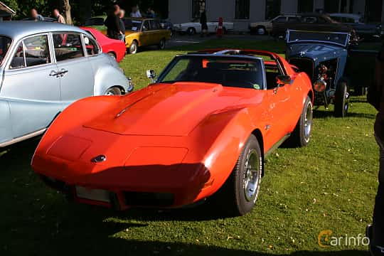 Front/Side  of Chevrolet Corvette Stingray 5.7 V8 Automatic, 213ps, 1976
