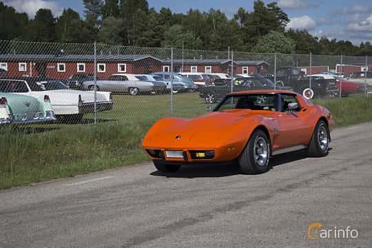 Front/Side  of Chevrolet Corvette Stingray 5.7 V8 Automatic, 213ps, 1976 at Nostalgifestivalen i Vårgårda 2017