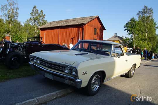 Front/Side  of Chevrolet El Camino 6.5 V8 Powerglide, 329ps, 1967 at Onsdagsträffar på Gammlia Umeå 2019 vecka 28