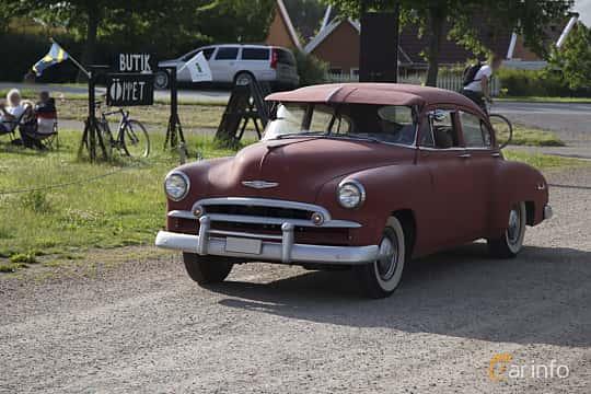 Front/Side  of Chevrolet Fleetline Deluxe 4-door 3.5 Manual, 84ps, 1949 at Tisdagsträffarna Vikingatider v.25 / 2017