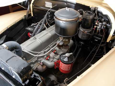 Engine compartment  of Chevrolet Fleetmaster Cabriolet 3.5 Manual, 91hp, 1947
