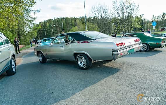 Back/Side of Chevrolet Impala Sport Coupé 1965 at Wheelers Cruising, Vetlanda 2019