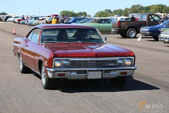 Front/Side  of Chevrolet Impala Sport Coupé 1966 at Lidköping Power Big Meet  2019