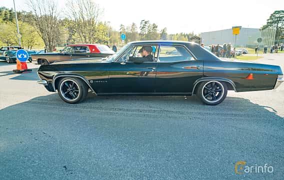 Side  of Chevrolet Impala Sport Sedan 3.8 V6 Powerglide, 141ps, 1965 at Wheelers Cruising, Vetlanda 2019