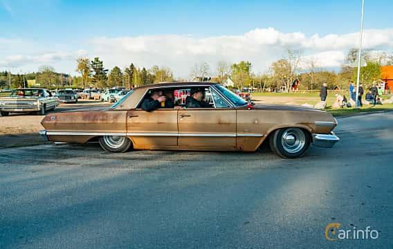 Side  of Chevrolet Impala Sport Sedan 4.6 V8 Powerglide, 198ps, 1963 at Wheelers Cruising, Vetlanda 2019