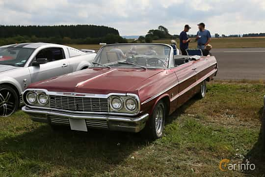 Front/Side  of Chevrolet Impala Convertible 4.6 V8 Powerglide, 198ps, 1964 at Falköping Nasco Yankee Meet 2018