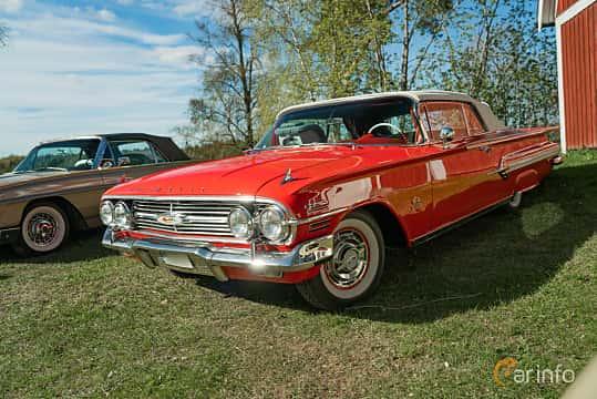 Front/Side  of Chevrolet Impala Convertible 5.7 V8 Powerglide, 324ps, 1960 at Lissma Classic Car 2019 vecka 20