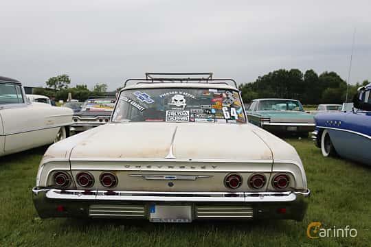 Back of Chevrolet Impala Sedan 4.6 V8 Powerglide, 198ps, 1964 at Falköping Nasco Yankee Meet 2015