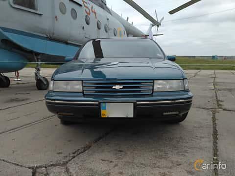 Front  of Chevrolet Lumina 3.1 V6 Automatic, 137ps, 1990 at Old Car Land no.2 2017