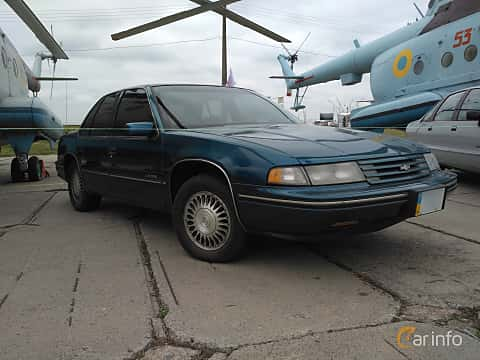 Front/Side  of Chevrolet Lumina 3.1 V6 Automatic, 137ps, 1990 at Old Car Land no.2 2017
