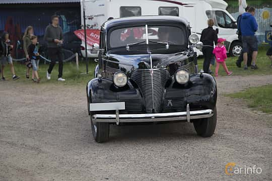 Front  of Chevrolet Master 85 Town Sedan 3.5 Manual, 86ps, 1939 at Tisdagsträffarna Vikingatider v.25 / 2017