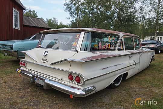 Back/Side of Chevrolet Parkwood 4.6 V8 Powerglide, 233ps, 1960 at Onsdagsträffar på Gammlia Umeå 2019 vecka 32