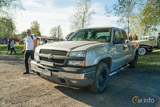 Front/Side  of Chevrolet Silverado 1500 Extended Cab 5.3 V8 4WD Automatic, 299ps, 2005 at Lissma Classic Car 2019 vecka 20