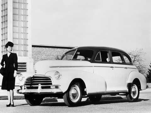 Front/Side  of Chevrolet Stylemaster Sport Sedan 3.5 Manual, 91hp, 1946