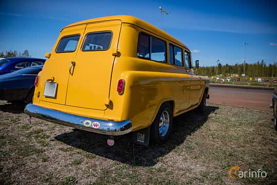 Back/Side of Chevrolet Suburban Carryall 3.9 Manual, 137ps, 1959 at Örebro Spring meet 2016