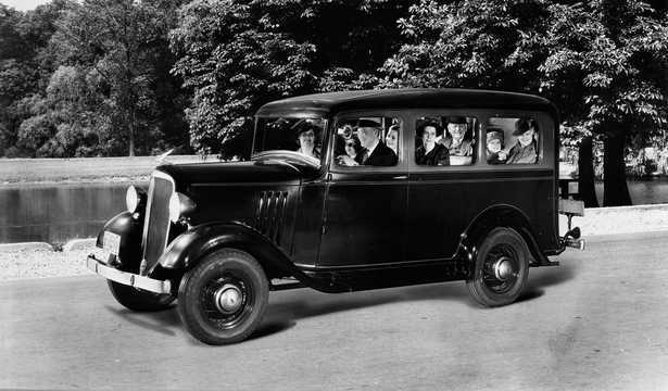 Front/Side  of Chevrolet Model EB Suburban Carryall 3.4 Manual, 61hp, 1935