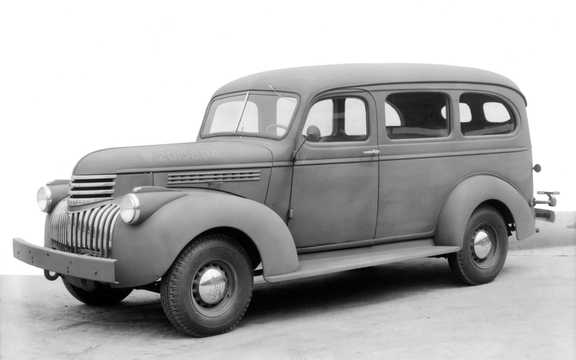 Front/Side  of Chevrolet Model AK Suburban Carryall 3.5 Manual, 91hp, 1941